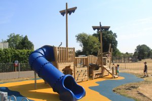 toddlers play equipment
